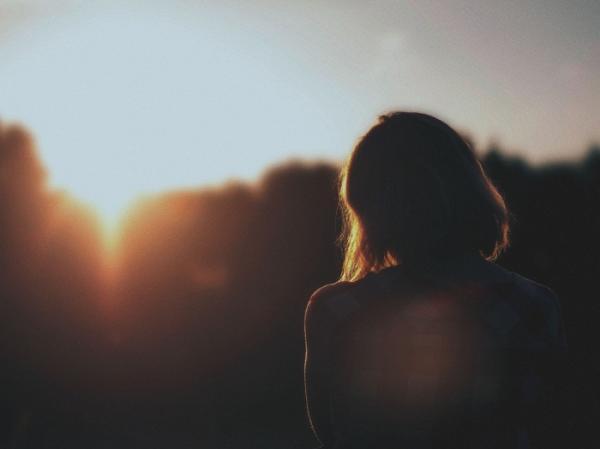 Đọc truyện ngắn ý nghĩa về tình yêu - Hừng đông nhất định có nắng